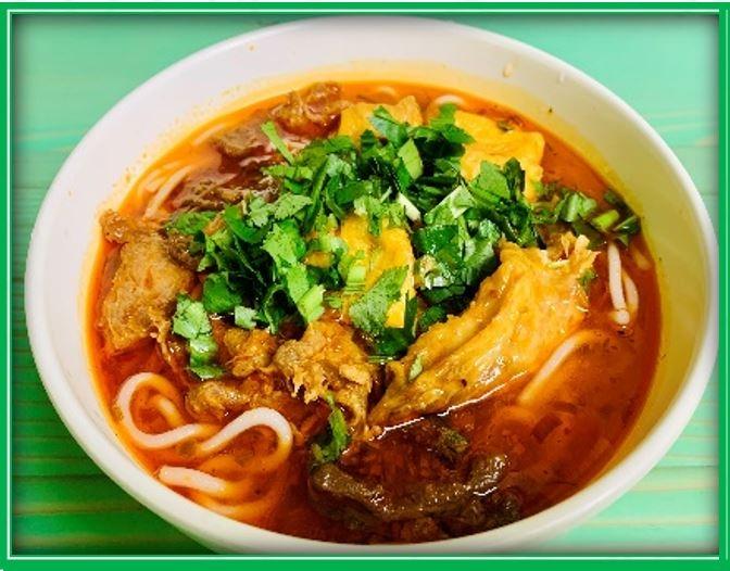 E3. Hue Spicy Noodle (Bún Huế)