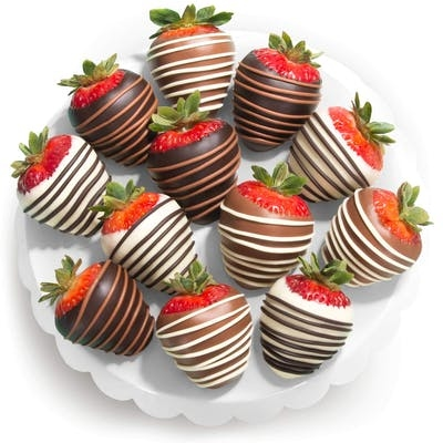 12 Chocolate Dipped Strawberries